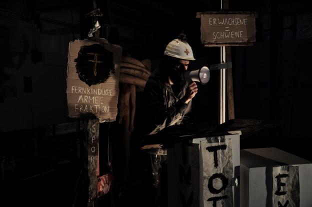 Martin Holz am 12.05.2014, Polly Faber, Opening 'invasor im aufbau'